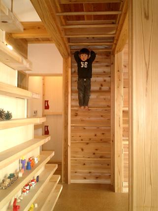 登り棒と雲梯の家4-thumb-autox428-732