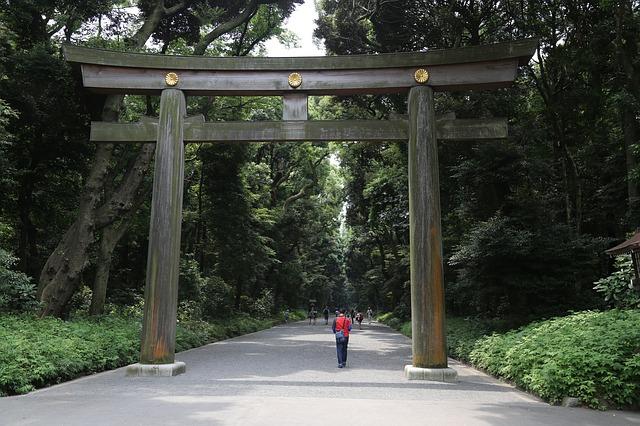 torii-1614114_640